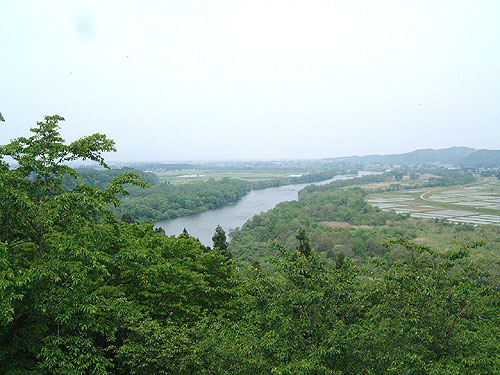 We look at Kitakami River from observation deck